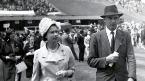 9th-duk-of-richmond-and-the-queen-at-goodwood